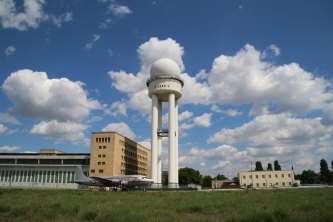 Tempelhofer Feld VIII