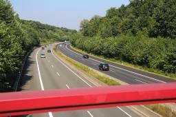Ist die Autobahnbrücke erreicht, sind die Steigungen endgültig vorbei
