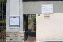 Portal an der Straße