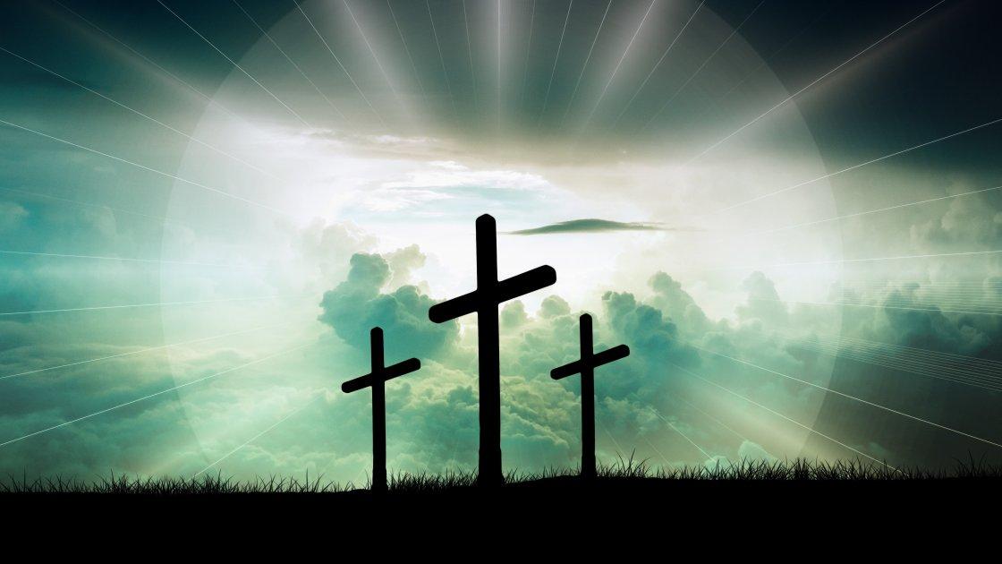 Drei Kreuze auf Golgatha, mit Lichtkranz